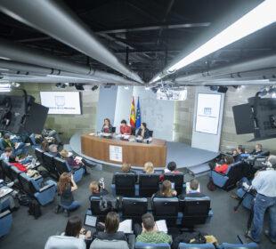 Consejo de Ministros del 5 de abril de 2019: Celaá, Valerio y Ribera. Pool Moncloa/Borja Puig de la Bellacasa
