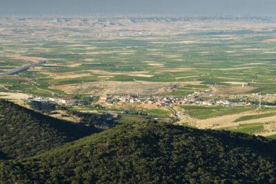 Vista del pueblo de Paniza (Zaragoza) desde la ermita de la Virgen del Águila.