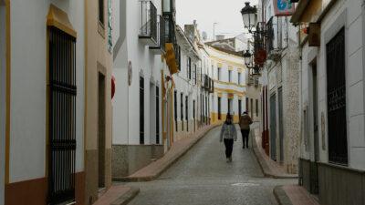 Calle de un pueblo de Extremadura