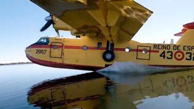 Avión de extinción de incendios. Captura del vídeo del Ministerio de Agricultura.
