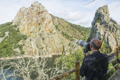 Un turista rural, en el Parque Nacional de Monfragüe