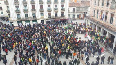 Manifestantes, hoy en Zamora. Foto: UPA