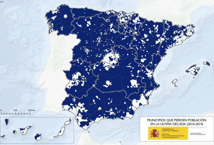 Municipios que pierden población en la última década, en un mapa distribuido hoy por el Gobierno.