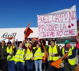 Protesta de los agricultores al límite en Cáceres. Foto: UPA