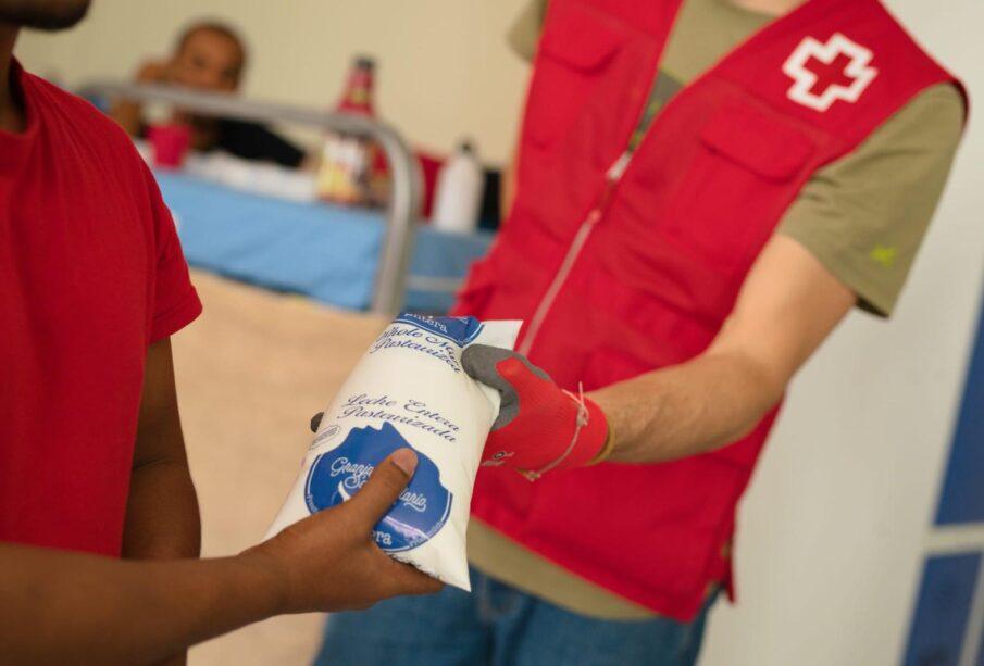 Donación de leche en Málaga, gracias al proyecto Alimentos solidarios