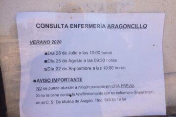 Anuncio en el centro de sanidad de Aragoncillo de los días que vendrá en verano la enfermera.