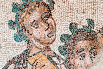 Los mosaicos ocultos (recorte)