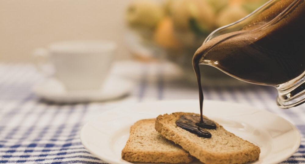 Mostillo sobre pan tostado. Foto: EDR.