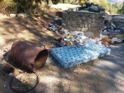 Residuos en La Rinconada, El Barraco (Ávila): Foto: Isma Garo. Facebook 'Yo también conozco La Rinconada'