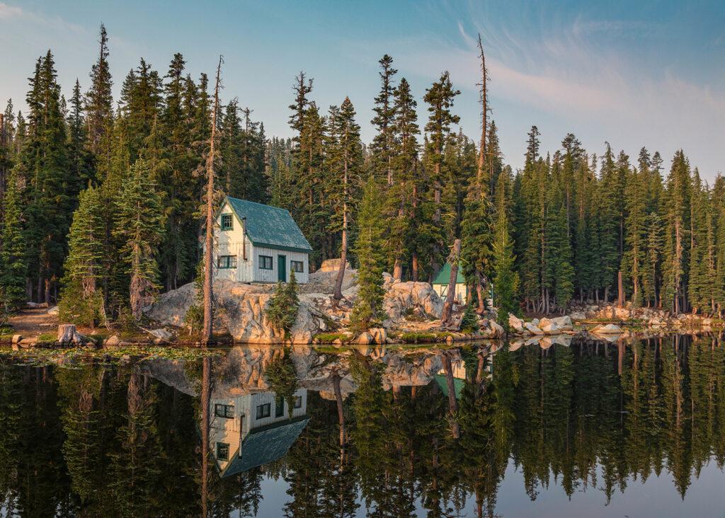 Una casa junto a Mosquito Lake, en California. Autor: Michael Levine (Creative Commons)
