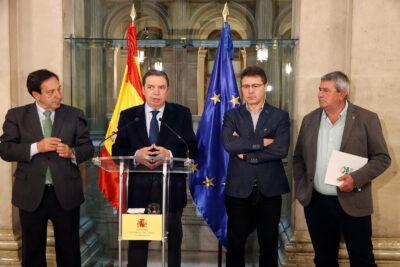 Luis Planas, con los líderes de ASAJA, COAG y UPA, el 15 de enero de 2020, antes de que comenzaran las movilizaciones de los agricultores al límite. Autor: Joaquín Terán.