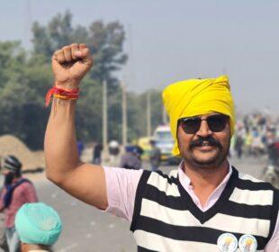 Un agricultor, durante las protestas en India. Foto: Twitter Ramshankar jat