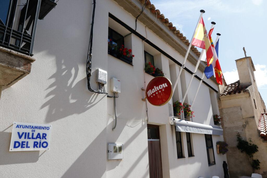 Ayuntamiento (y bar) de Villar del Río (Soria). Foto: EDR.
